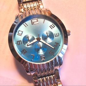 Other - Very Nice Men's Watch with Aqua Dial Face